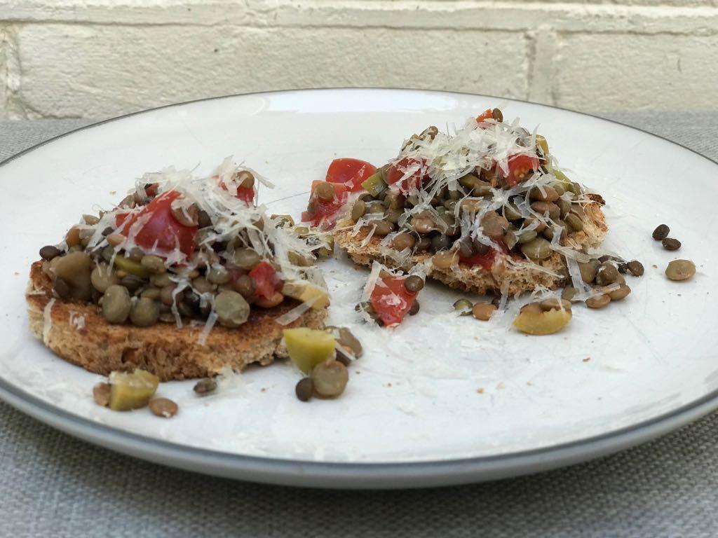 Bruschetta met linzen Italiaans