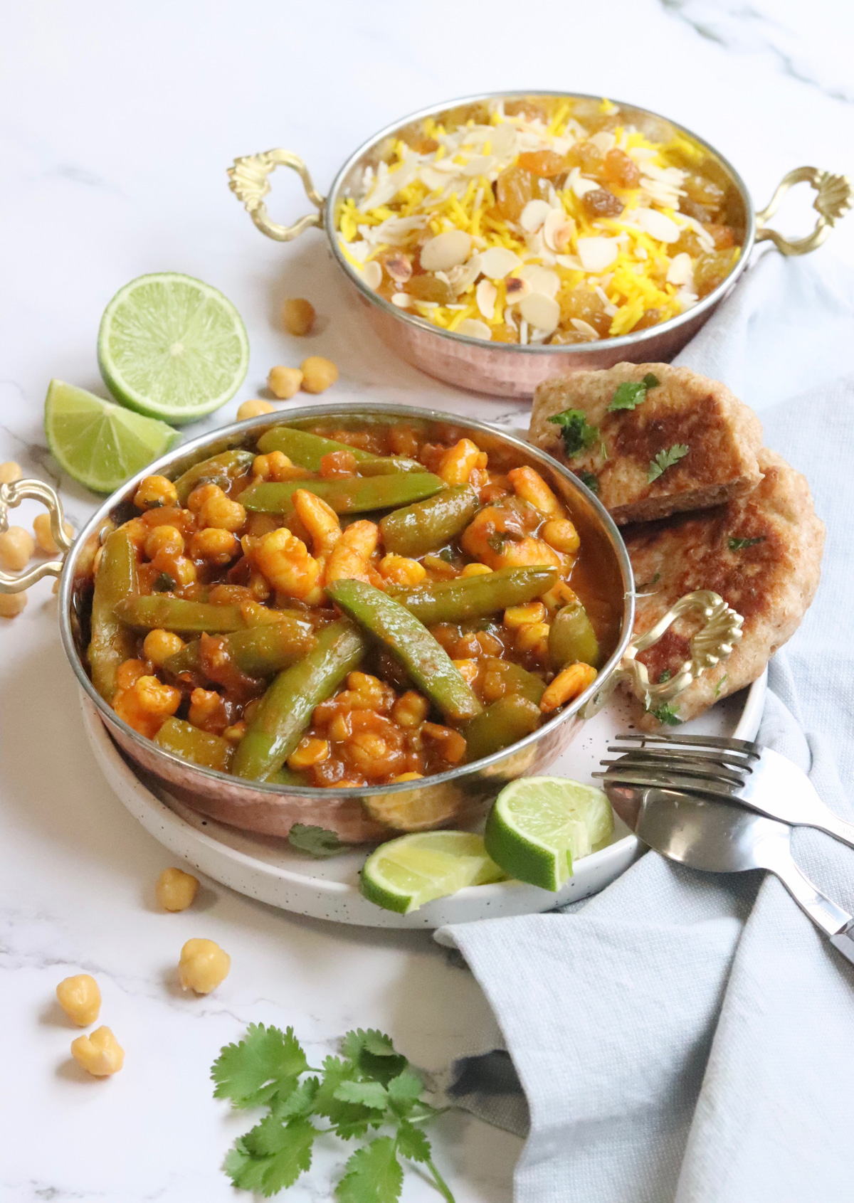 Kikkererwten curry met sugarsnaps en gamba´s