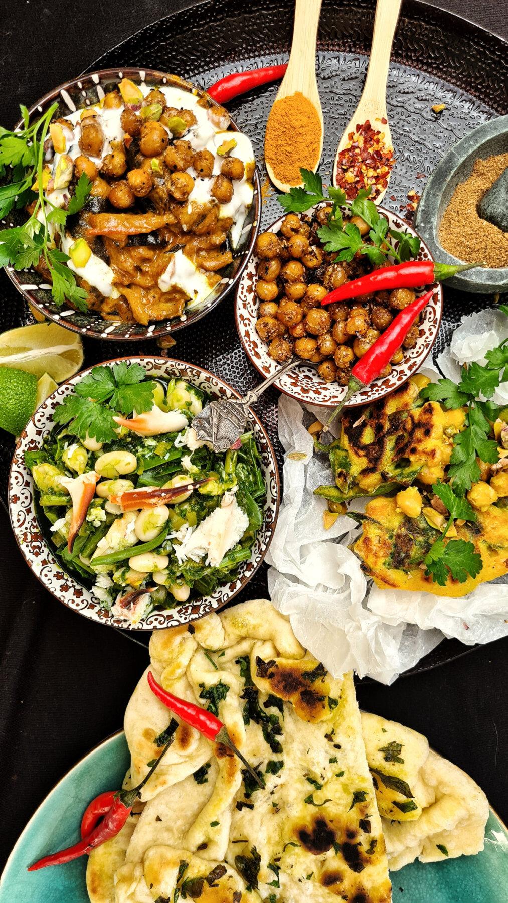 indiase groene curry van witte bonen met lamsoren en krab-